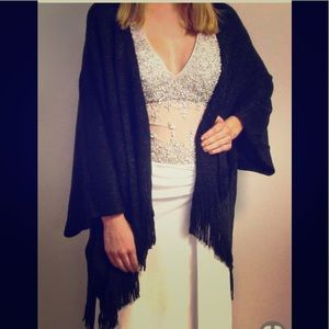 Shawl/Duster/Cover Up. Black.